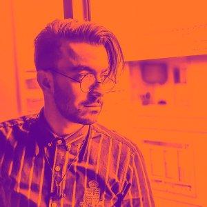 احمدرضا نامنی - طراحی آنلاین
